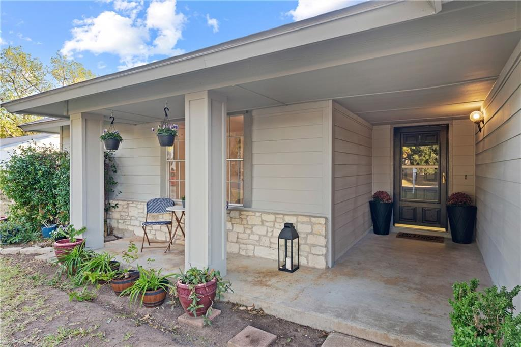 Closed   2705 Crownspoint Drive Austin, TX 78748 4