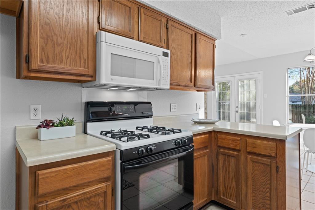 Closed   2705 Crownspoint Drive Austin, TX 78748 15