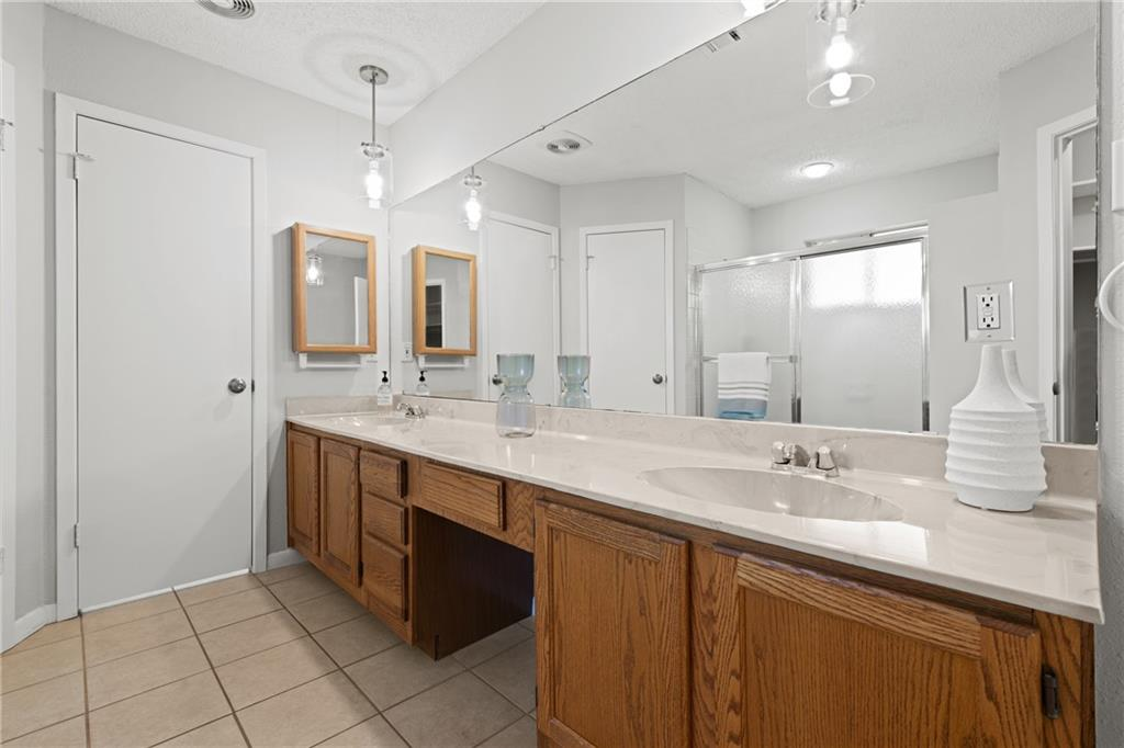 Closed   2705 Crownspoint Drive Austin, TX 78748 22