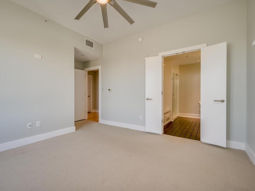 Active | 603 Davis Street #1904 Austin, TX 78701 14