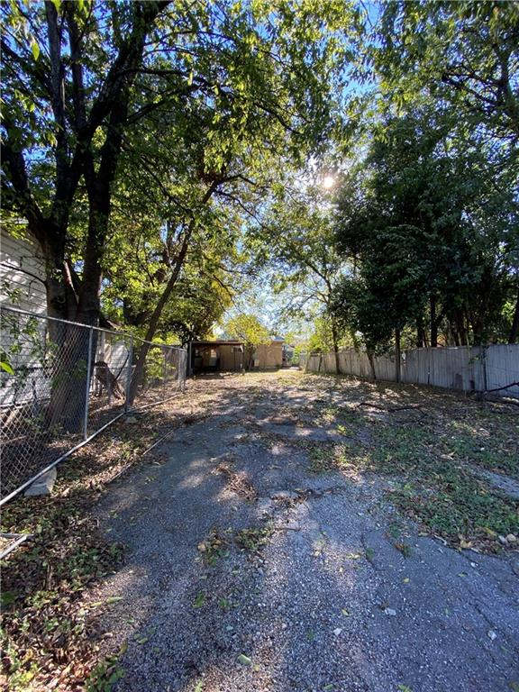 Active | 2600 E 7th Street Austin, TX 78702 5