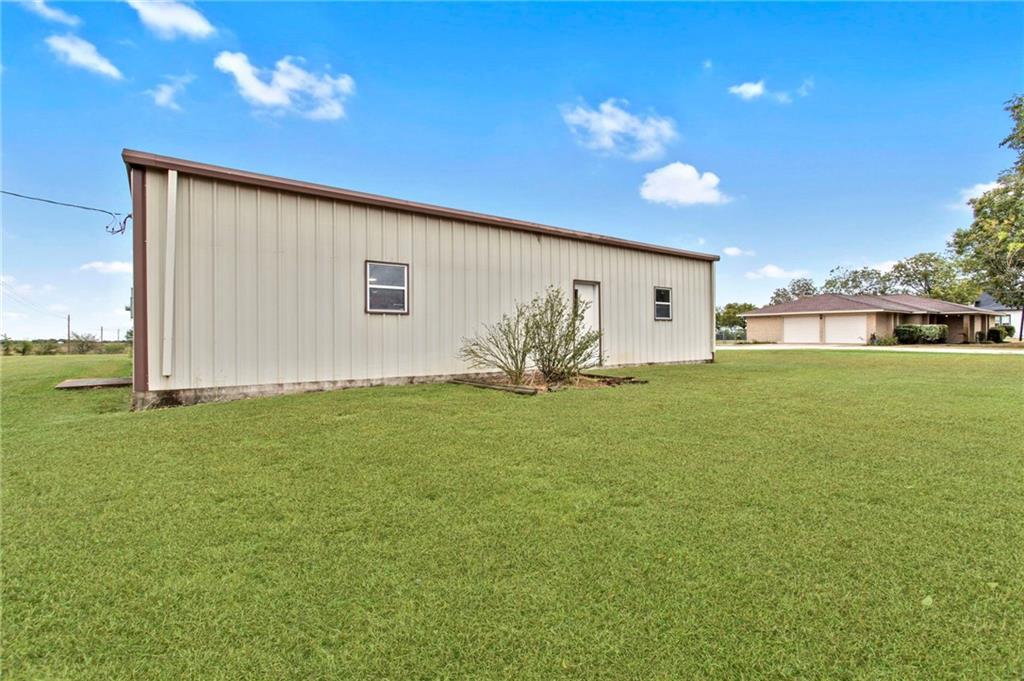 Closed | 752 County Road 132 Hutto, TX 78634 33