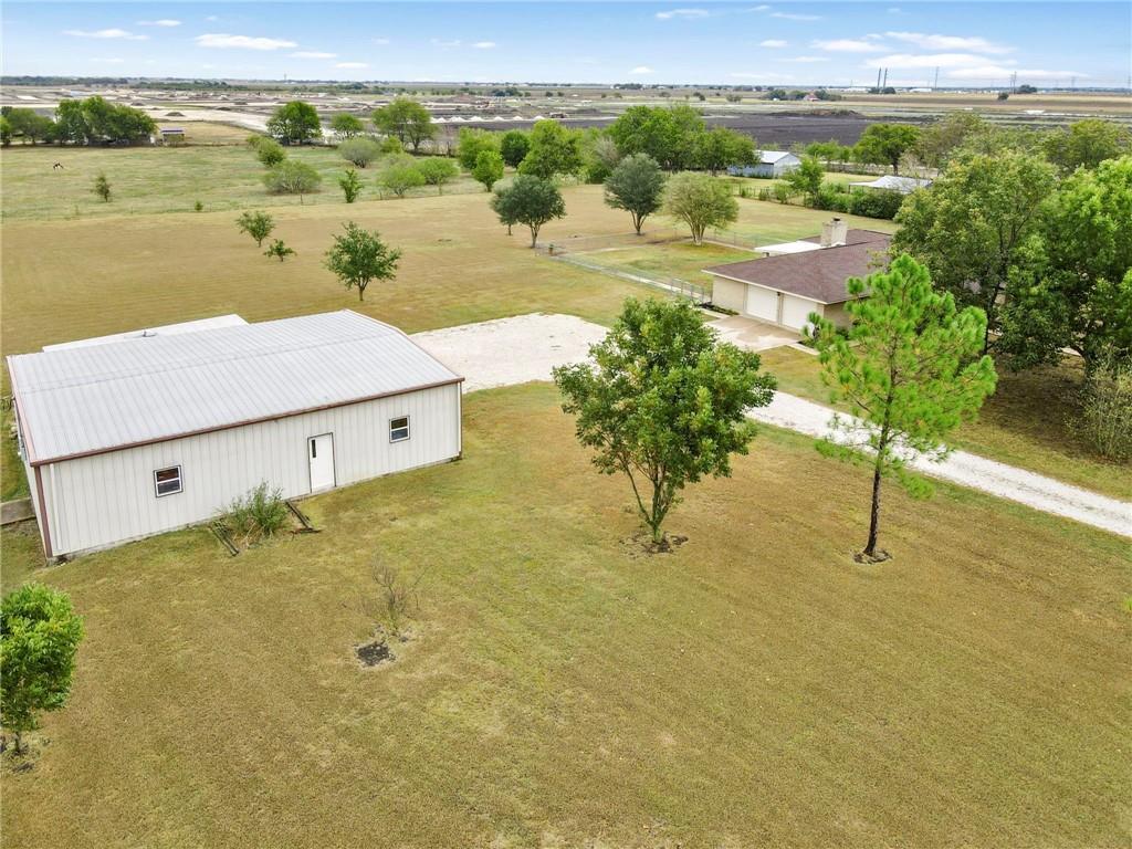 Closed | 752 County Road 132 Hutto, TX 78634 35