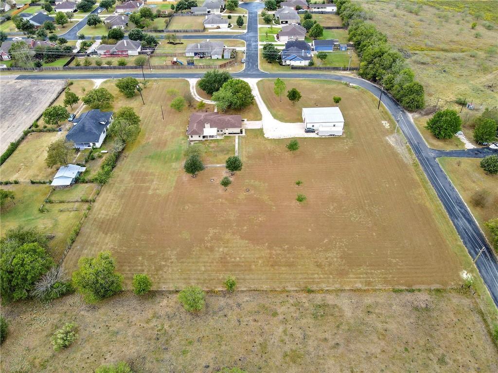 Closed | 752 County Road 132 Hutto, TX 78634 36