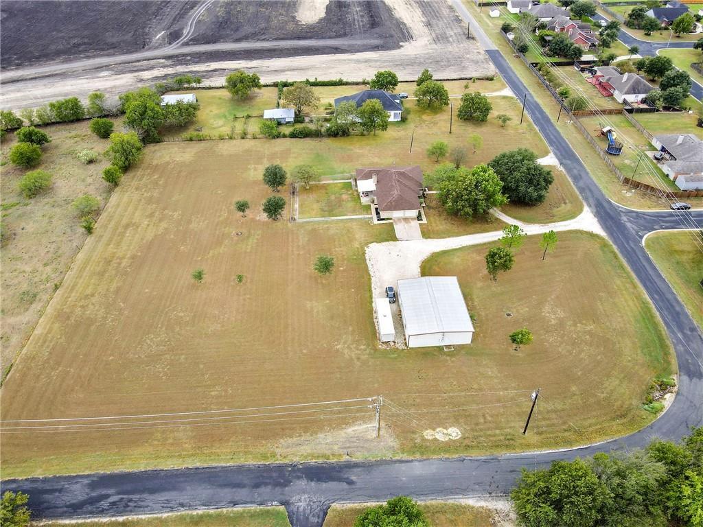 Closed | 752 County Road 132 Hutto, TX 78634 37