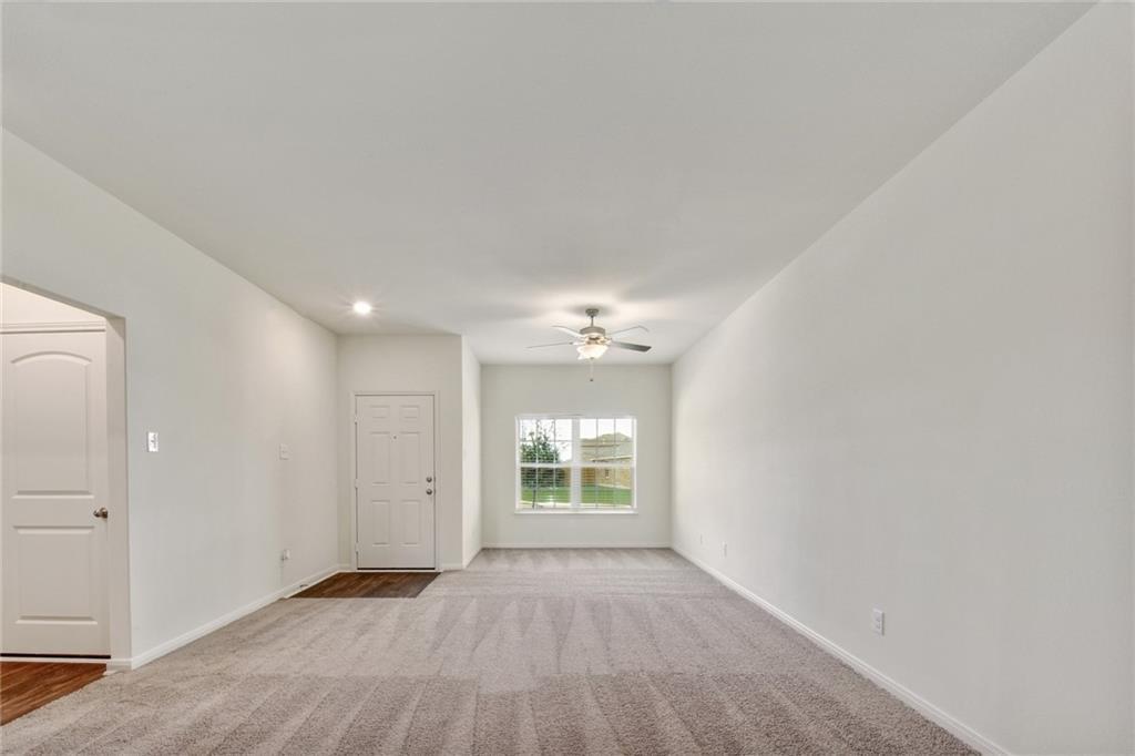 Closed | 237 Turquoise Lane Jarrell, TX 76537 3