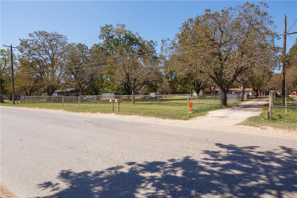 Active   420 Thompson Lane Austin, TX 78742 32