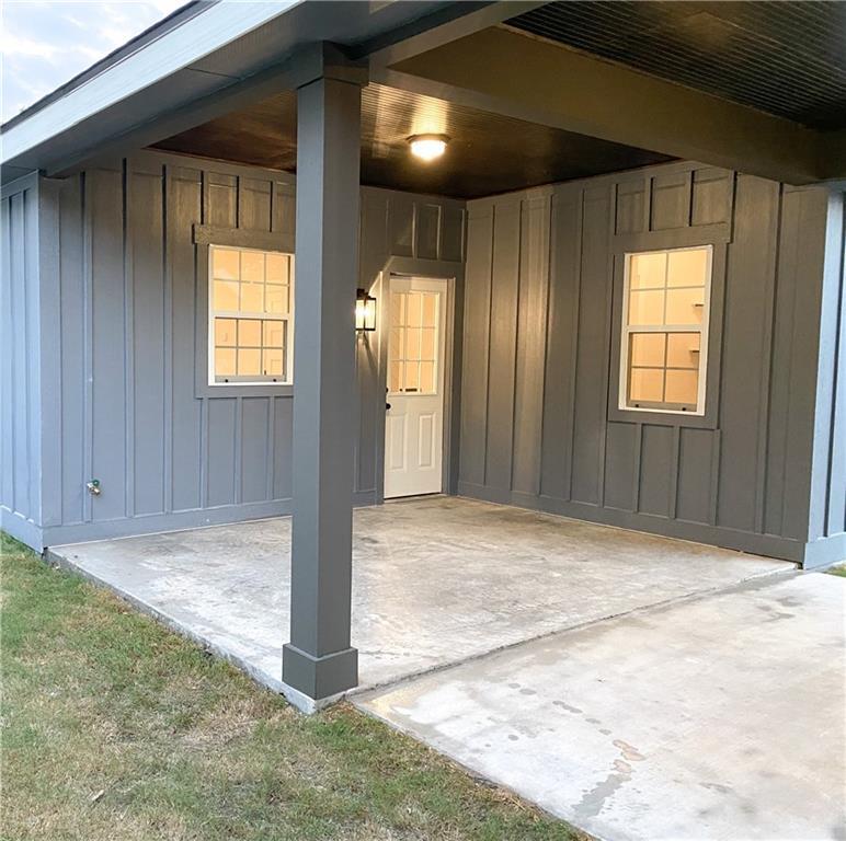 Closed   305 Lizzie Street Taylor, TX 76574 34