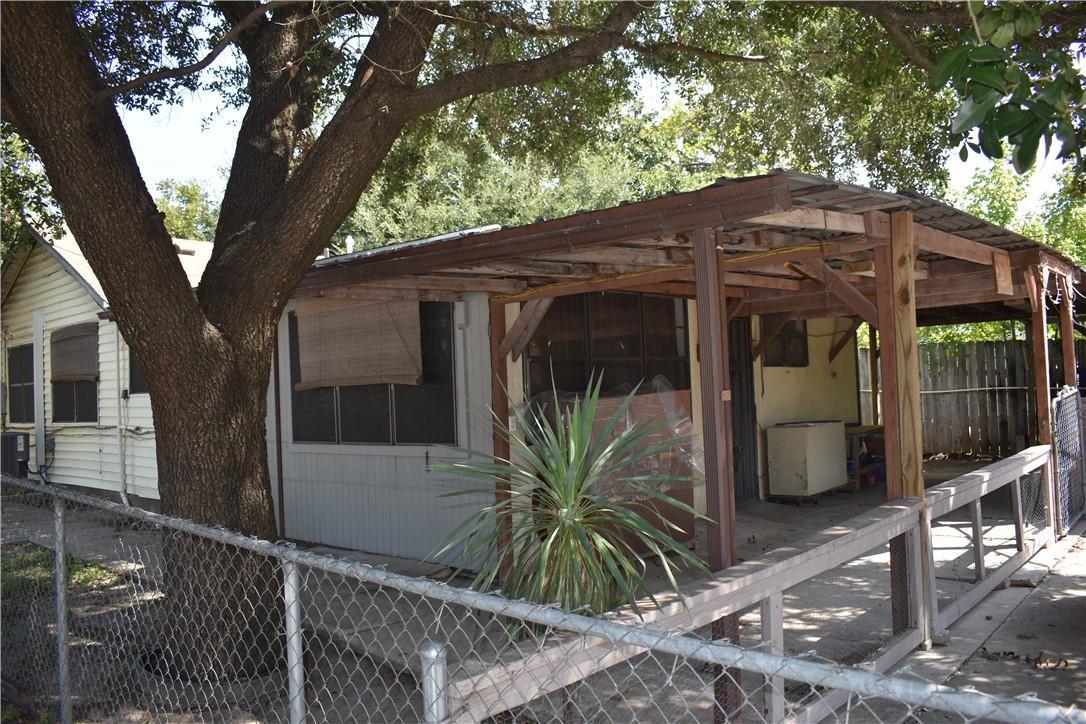 ActiveUnderContract | 2501 Gonzales Street Austin, TX 78702 18