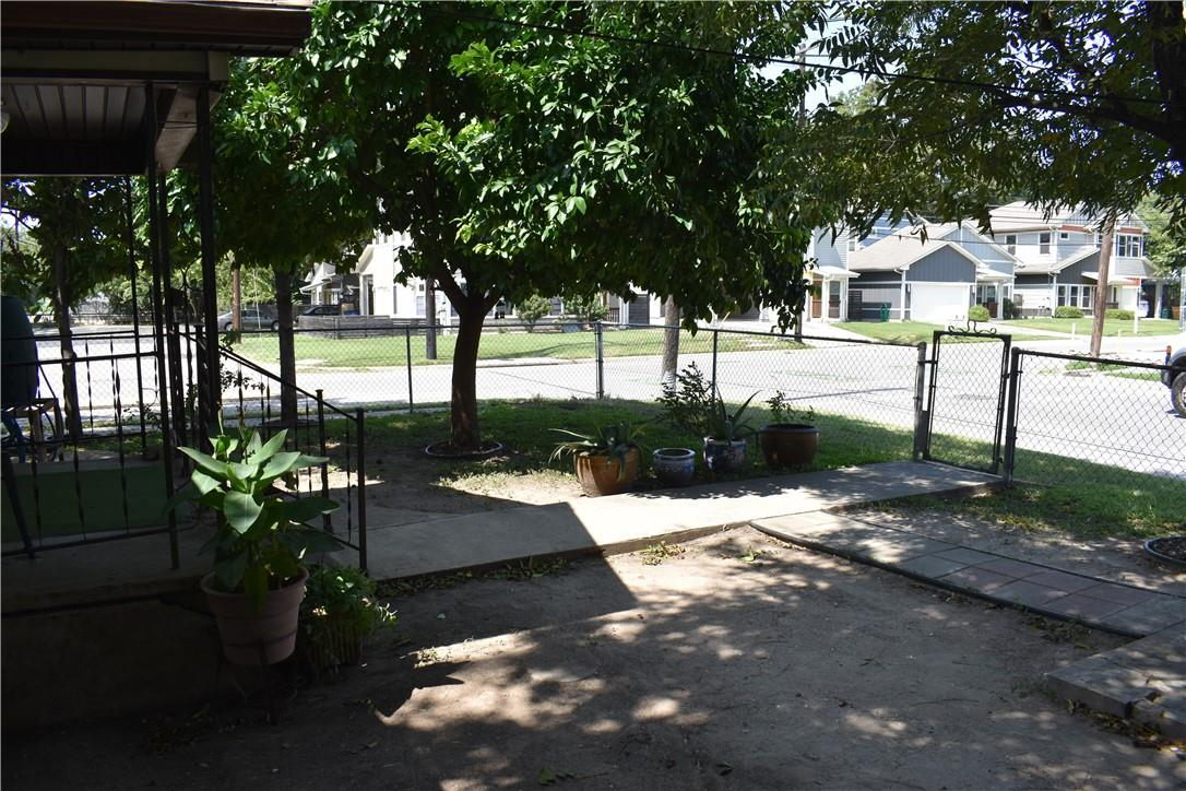 ActiveUnderContract | 2501 Gonzales Street Austin, TX 78702 25