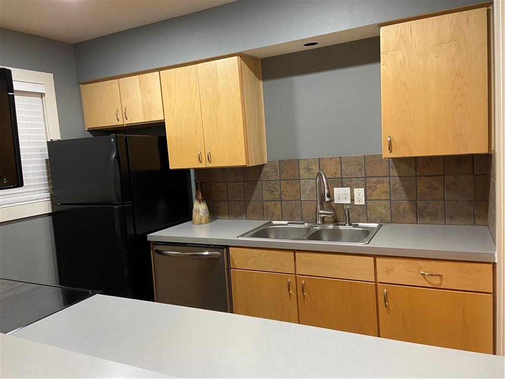 ActiveUnderContract | 3815 Guadalupe Street #206 Austin, TX 78751 6