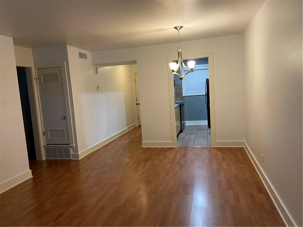 ActiveUnderContract | 3815 Guadalupe Street #206 Austin, TX 78751 10