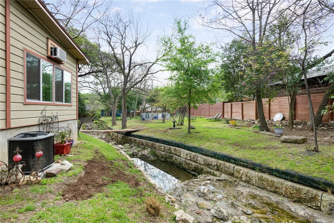 Active | 3205 Menchaca Road Austin, TX 78704 16