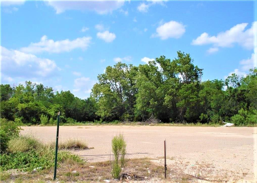 Closed   4851 E Veterans Memorial Boulevard Killeen, TX 76543 1