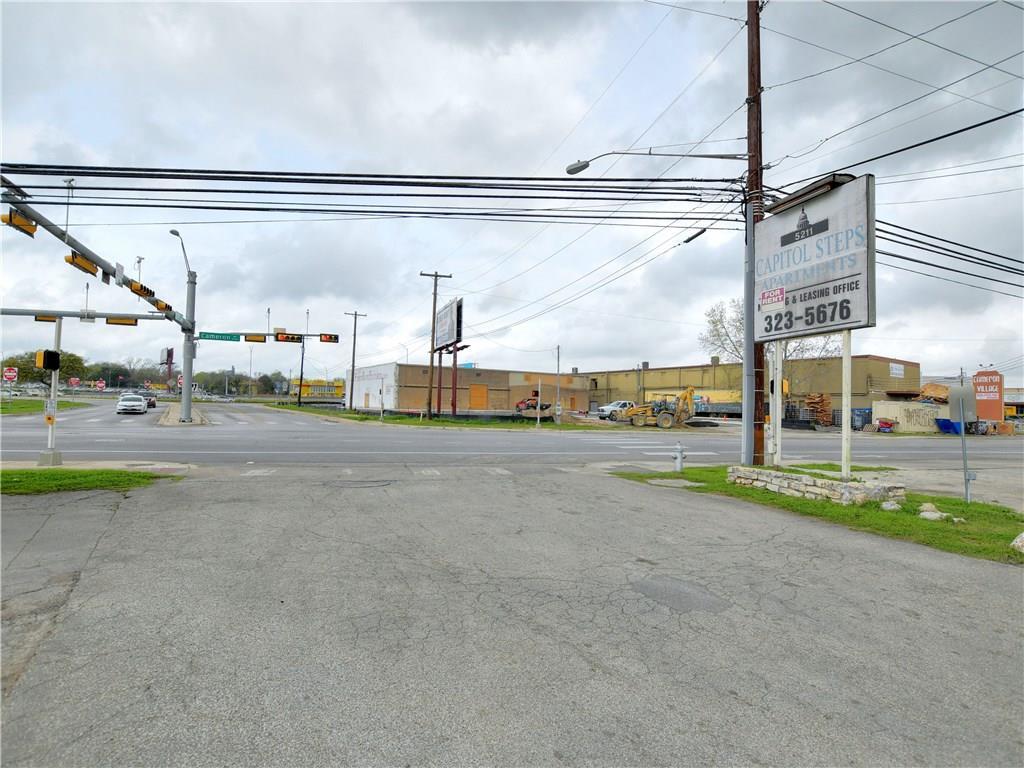 Pending | 5209 Cameron Road Austin, TX 78723 22
