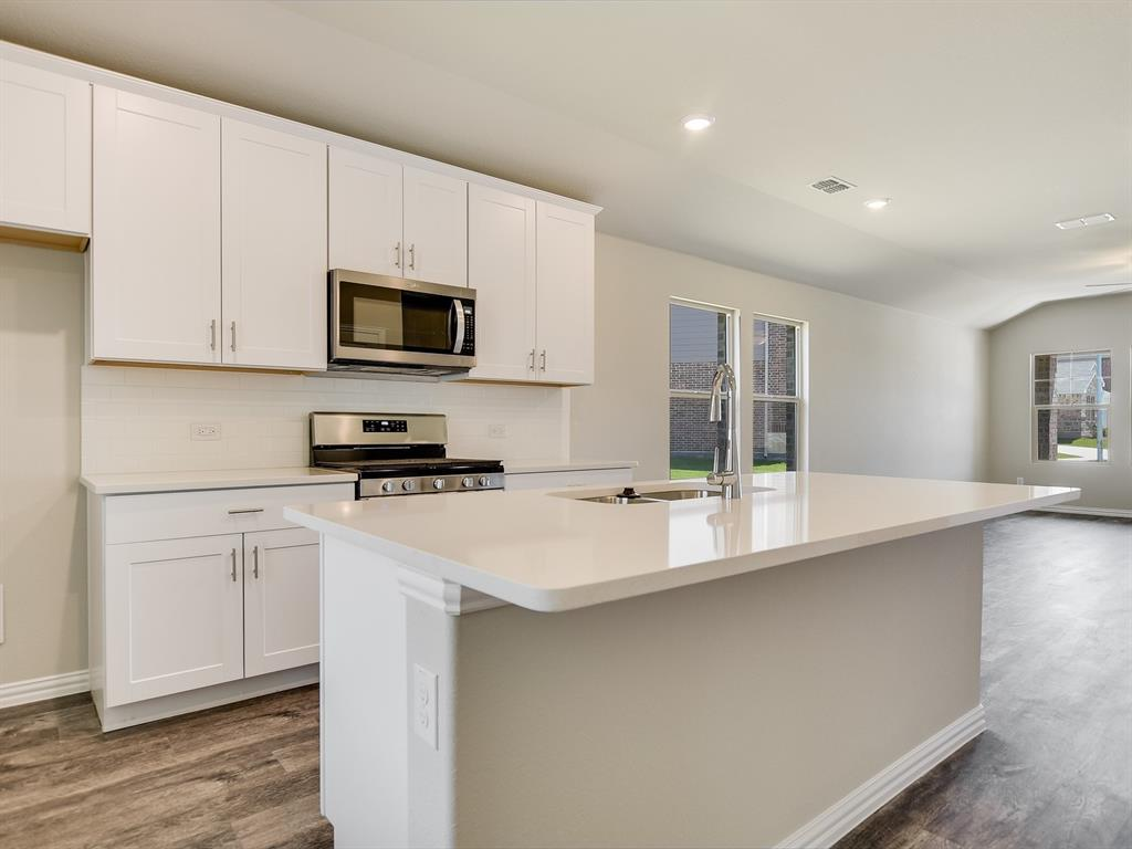 Active | 6333 Spider Mountain Trail Fort Worth, Texas 76179 8