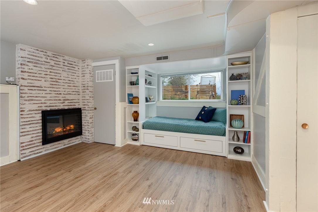 Sold Property | 2128 N 114th Street Seattle, WA 98133 16