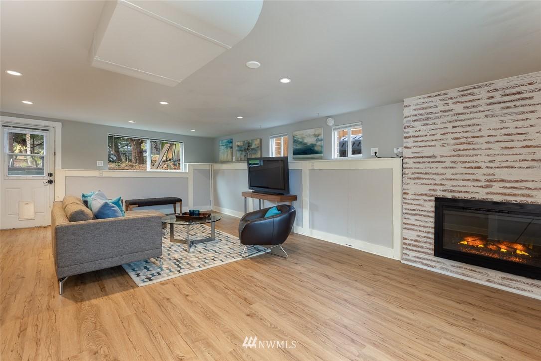 Sold Property | 2128 N 114th Street Seattle, WA 98133 17