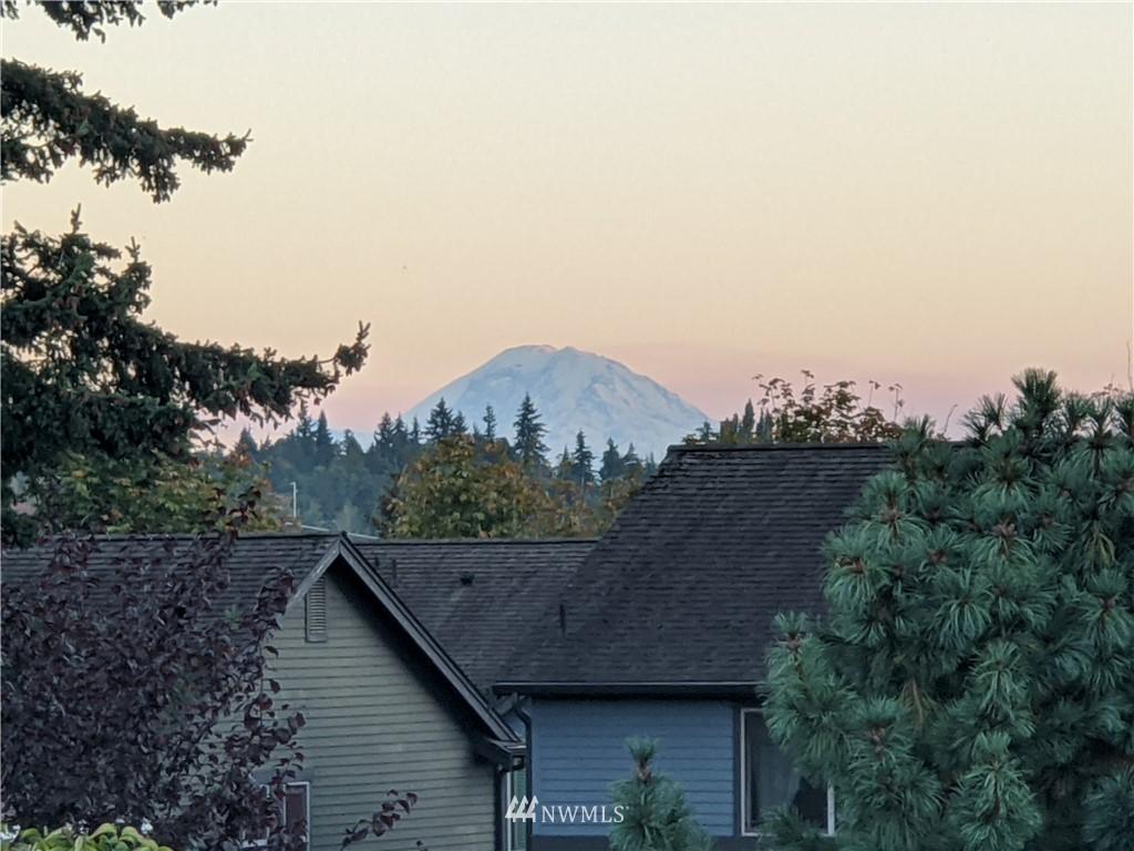 Sold Property | 2128 N 114th Street Seattle, WA 98133 24