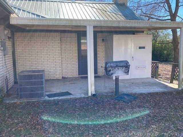 Off Market   1505 Red Bud McAlester, Oklahoma 74501 43