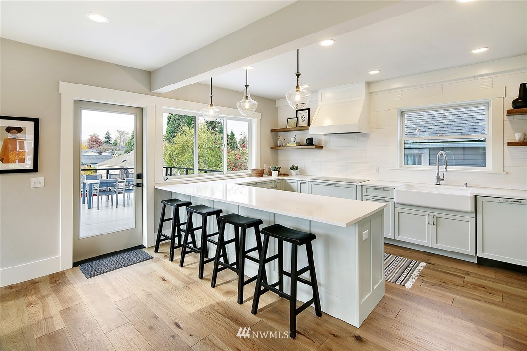 Sold Property | 8029 25th Avenue NW Seattle, WA 98117 9