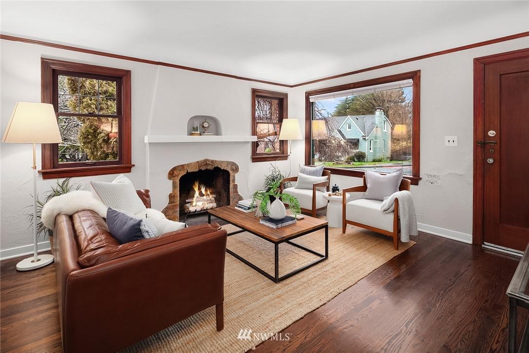 Sold Property   115 NE 80th Street Seattle, WA 98115 2