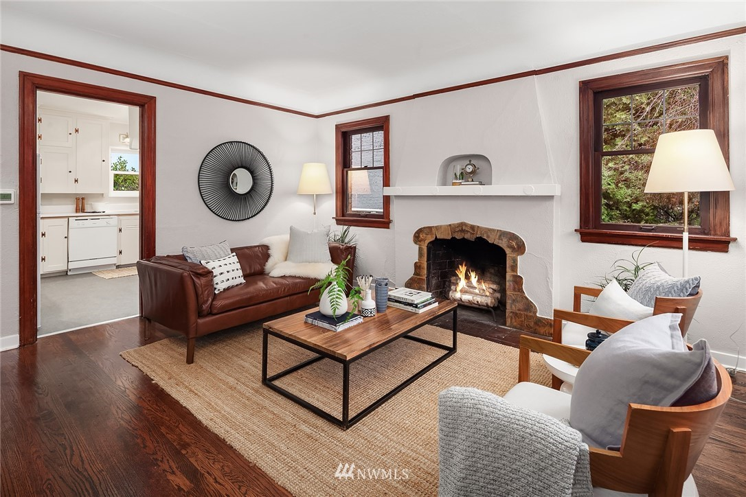 Sold Property   115 NE 80th Street Seattle, WA 98115 4