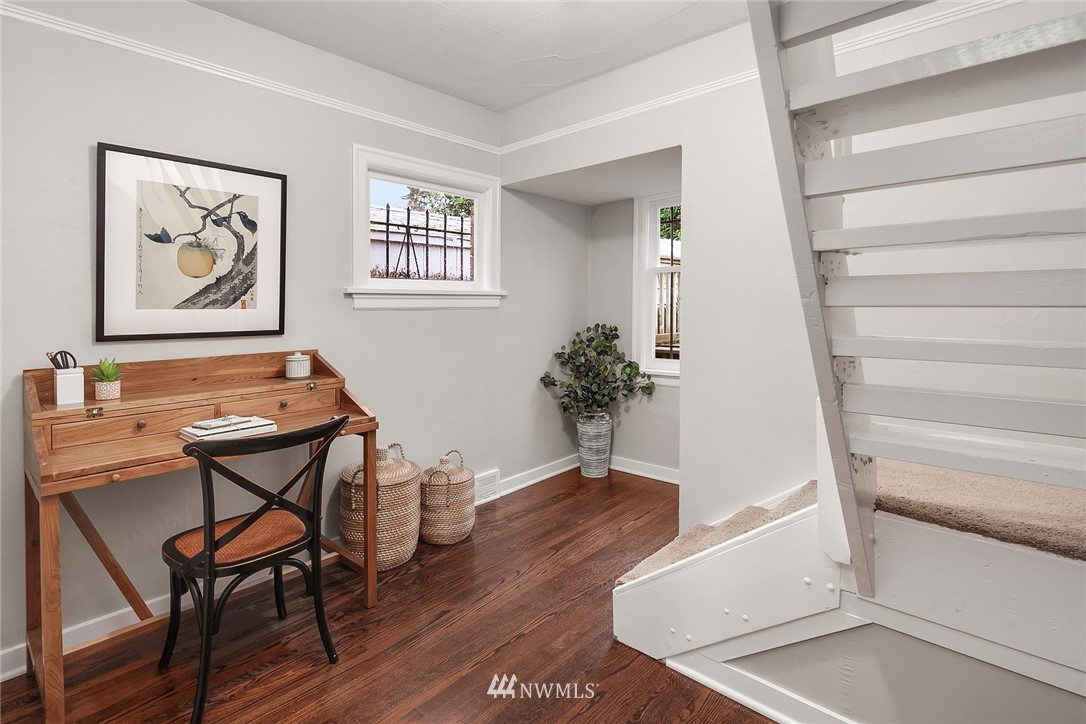 Sold Property   115 NE 80th Street Seattle, WA 98115 12