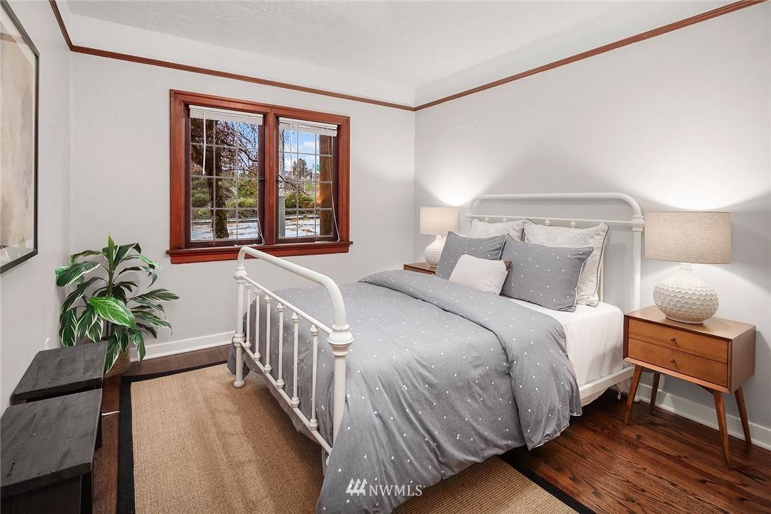 Sold Property   115 NE 80th Street Seattle, WA 98115 7