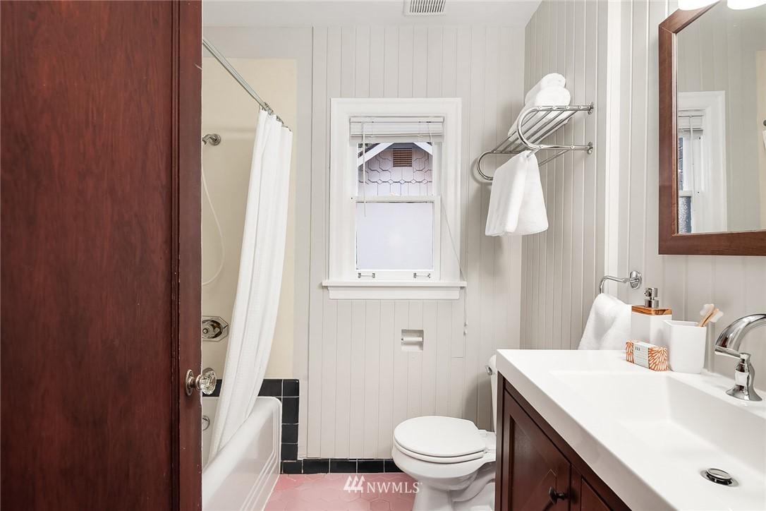 Sold Property   115 NE 80th Street Seattle, WA 98115 13