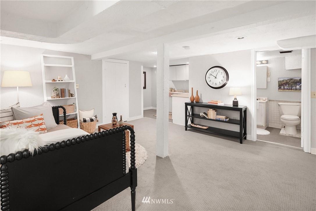 Sold Property   115 NE 80th Street Seattle, WA 98115 15