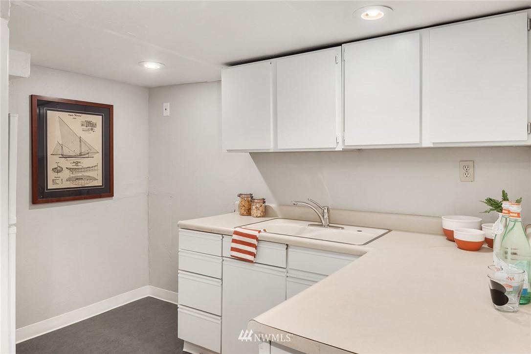 Sold Property   115 NE 80th Street Seattle, WA 98115 18