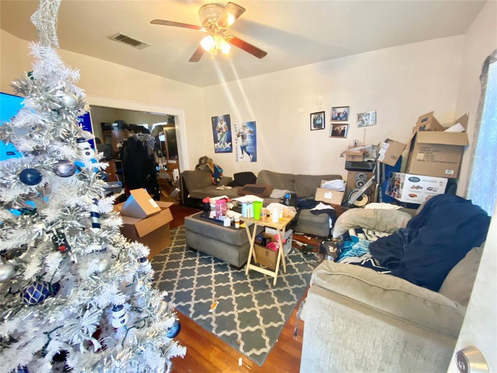 Sold Property | 807 Hollywood Avenue Dallas, Texas 75208 3