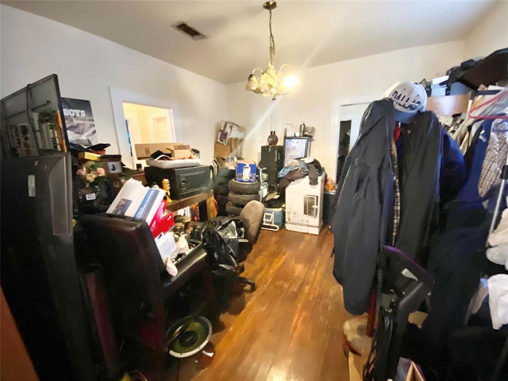 Sold Property | 807 Hollywood Avenue Dallas, Texas 75208 8
