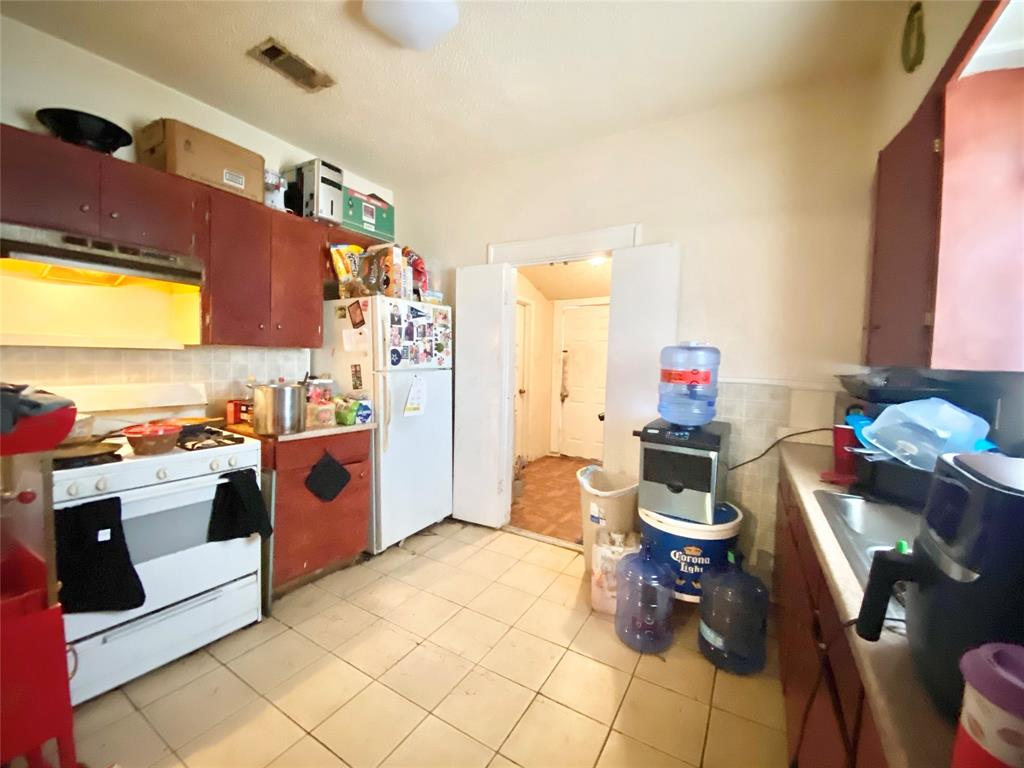 Sold Property | 807 Hollywood Avenue Dallas, Texas 75208 9