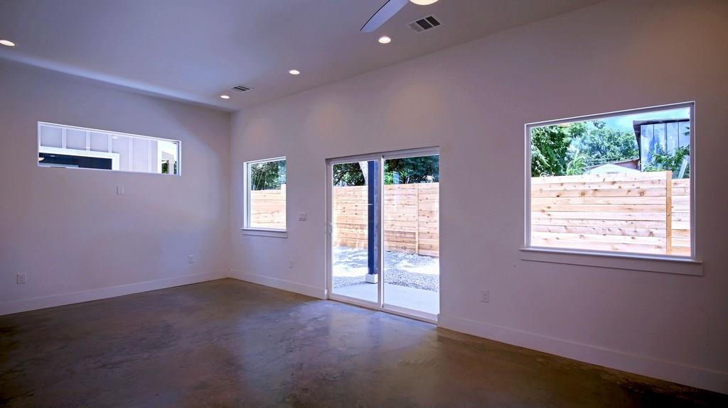 Closed | 7208 Carver Avenue #B Austin, TX 78752 8