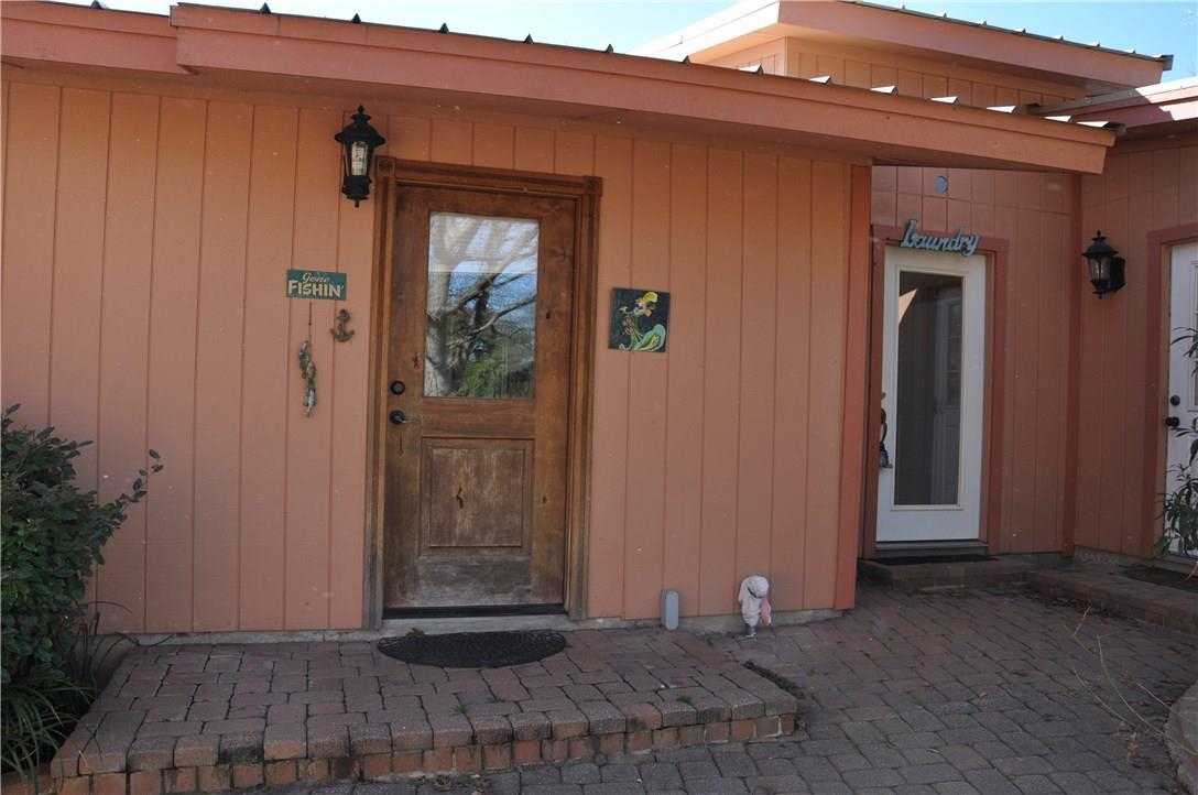 Closed   1726 Williams Lakeshore Kingsland, TX 78639 33