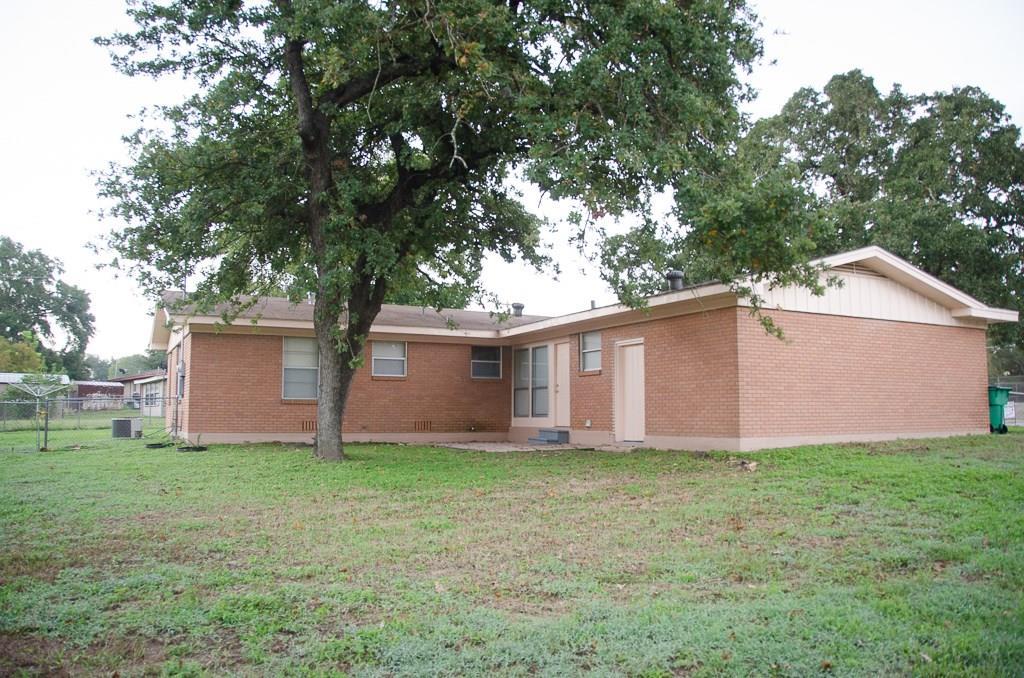 Closed | 2006 Brazos Avenue Rockdale, TX 76567 3