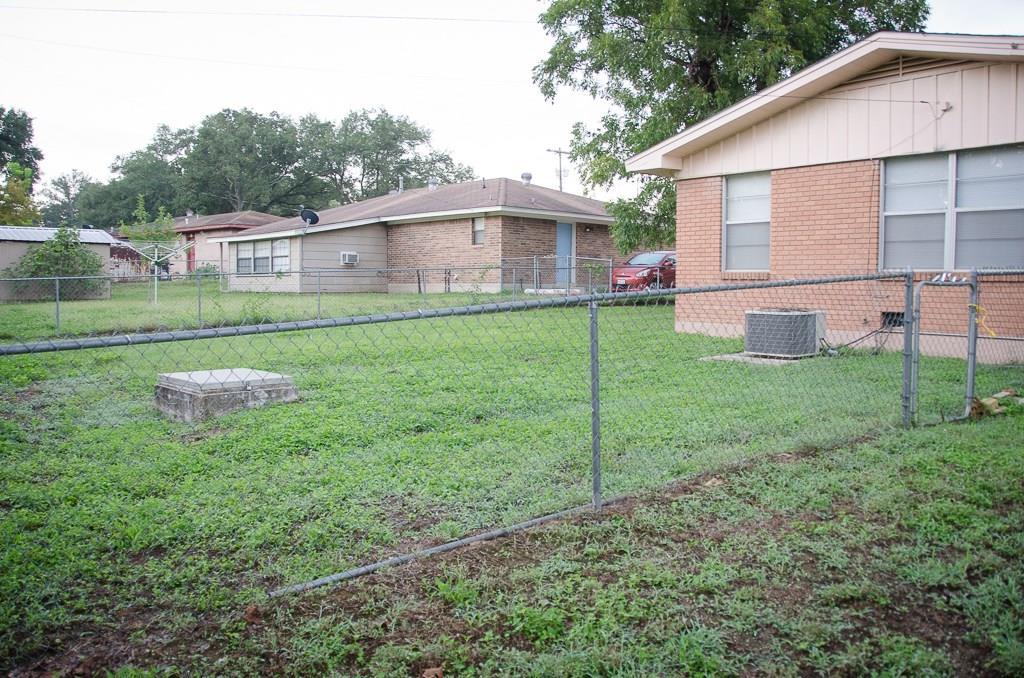 Closed | 2006 Brazos Avenue Rockdale, TX 76567 30