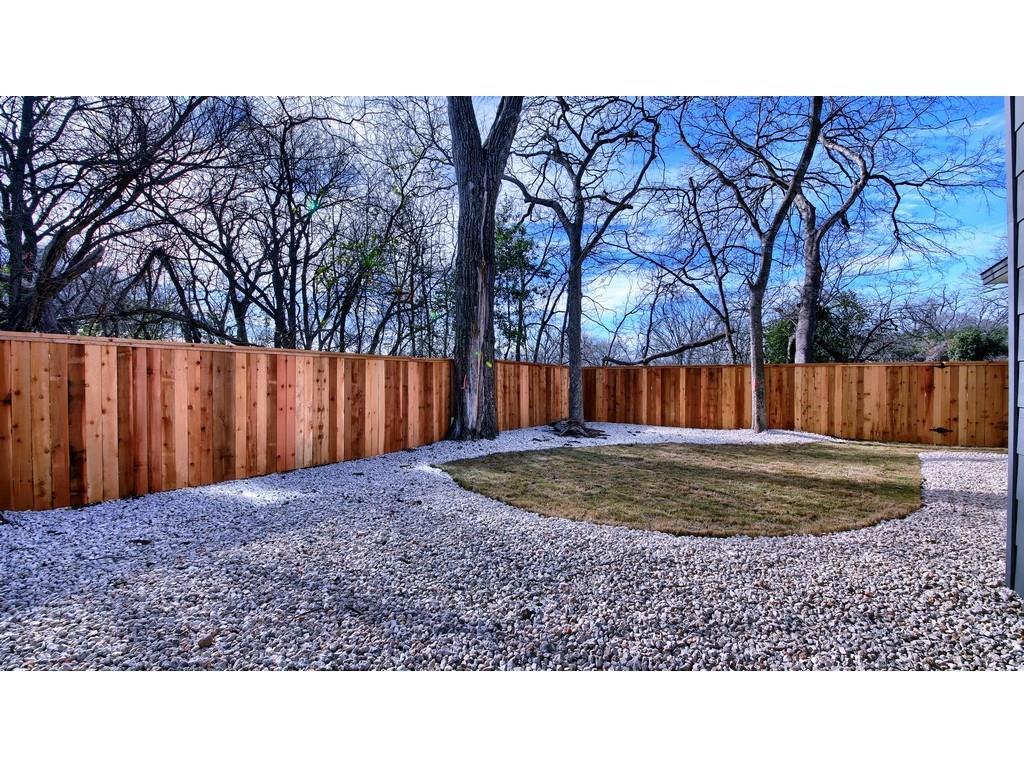 Closed | 1128 Walton Lane #2 Austin, TX 78721 22
