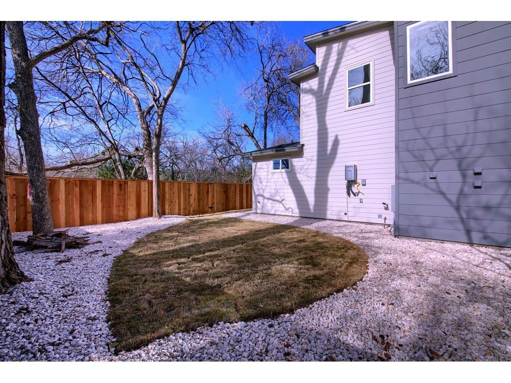 Closed | 1128 Walton Lane #2 Austin, TX 78721 23