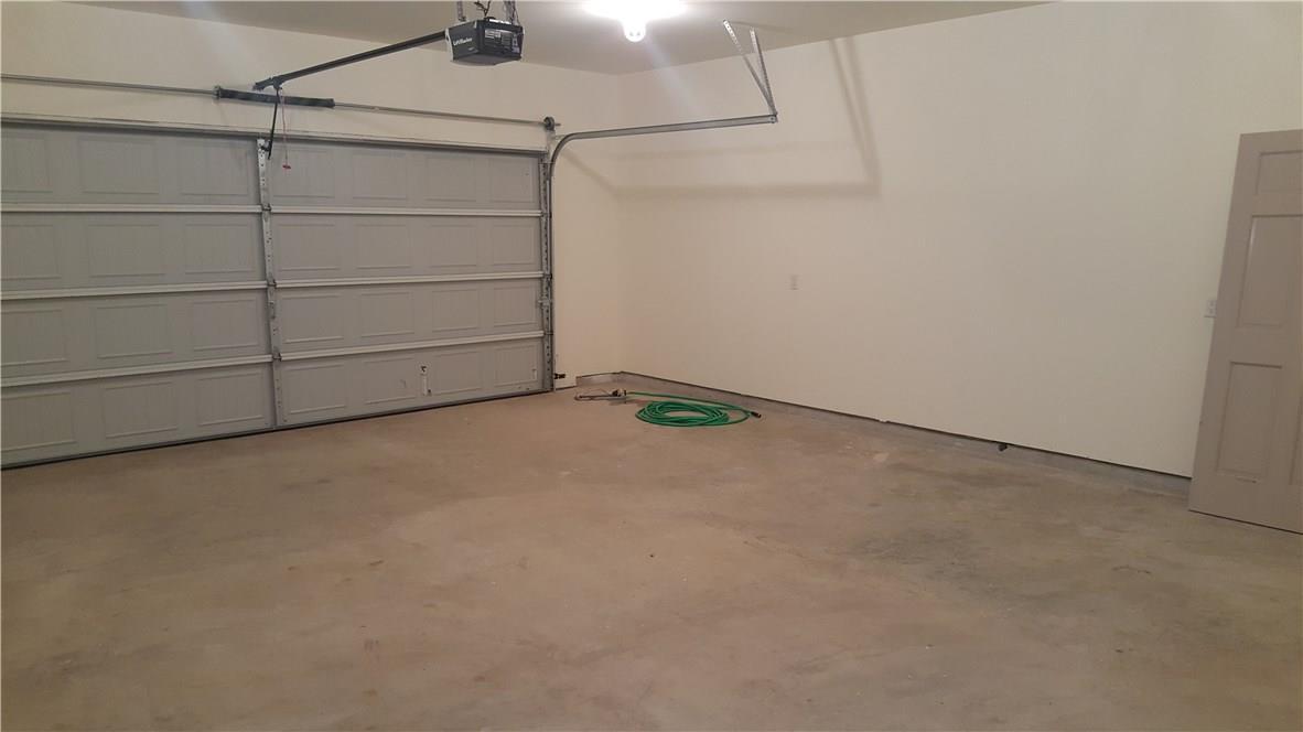 Closed | 323 Lamaloa Lane Bastrop, TX 78602 34