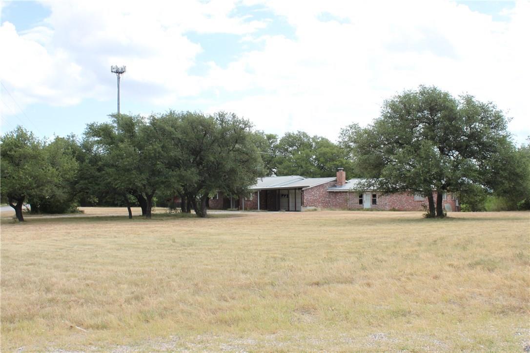 Closed   4515 Bob Wire Road Spicewood, TX 78669 11