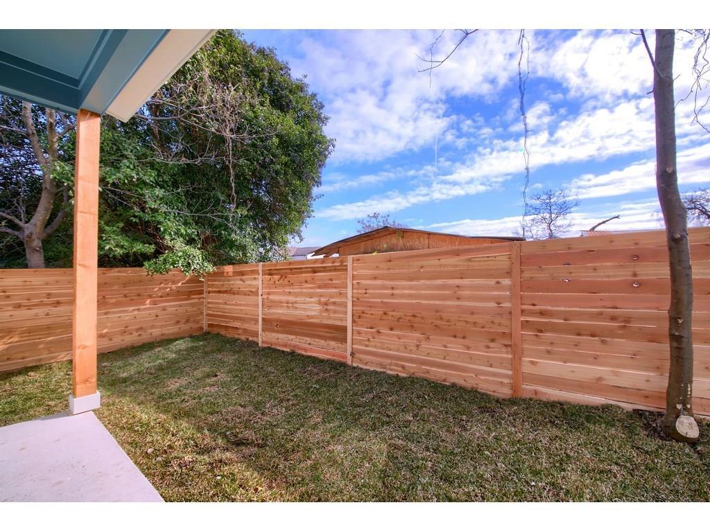 Closed | 7403 Bethune Avenue #B Austin, TX 78752 35