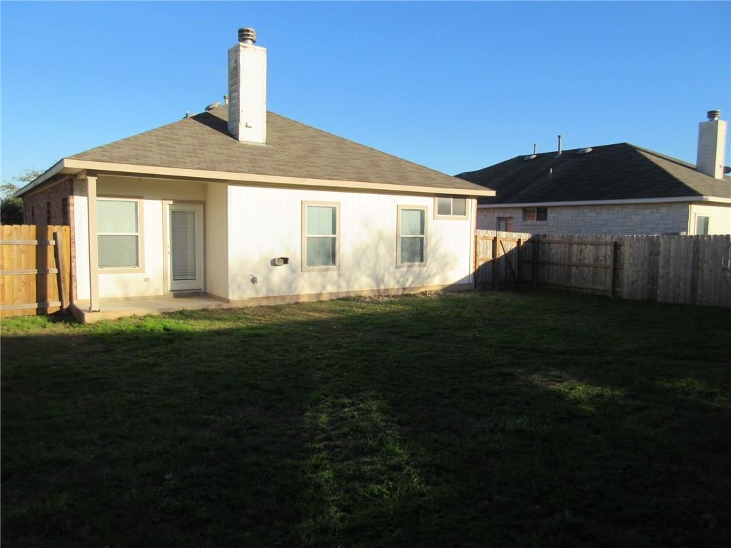 Closed   149 Poplarwood Drive Kyle, TX 78640 17