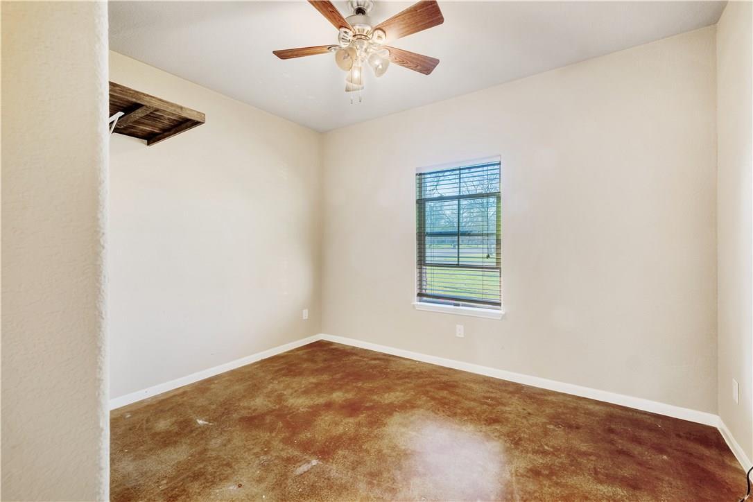 Closed | 129 E 2nd Street Flatonia, TX 78941 16