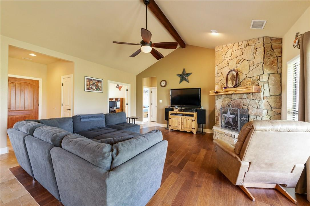 Closed   237 N Paleface Ranch Road Spicewood, TX 78669 10