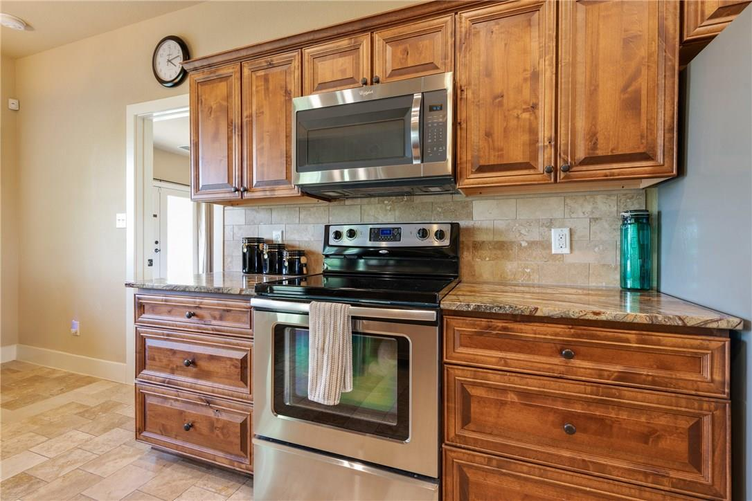 Closed   237 N Paleface Ranch Road Spicewood, TX 78669 14