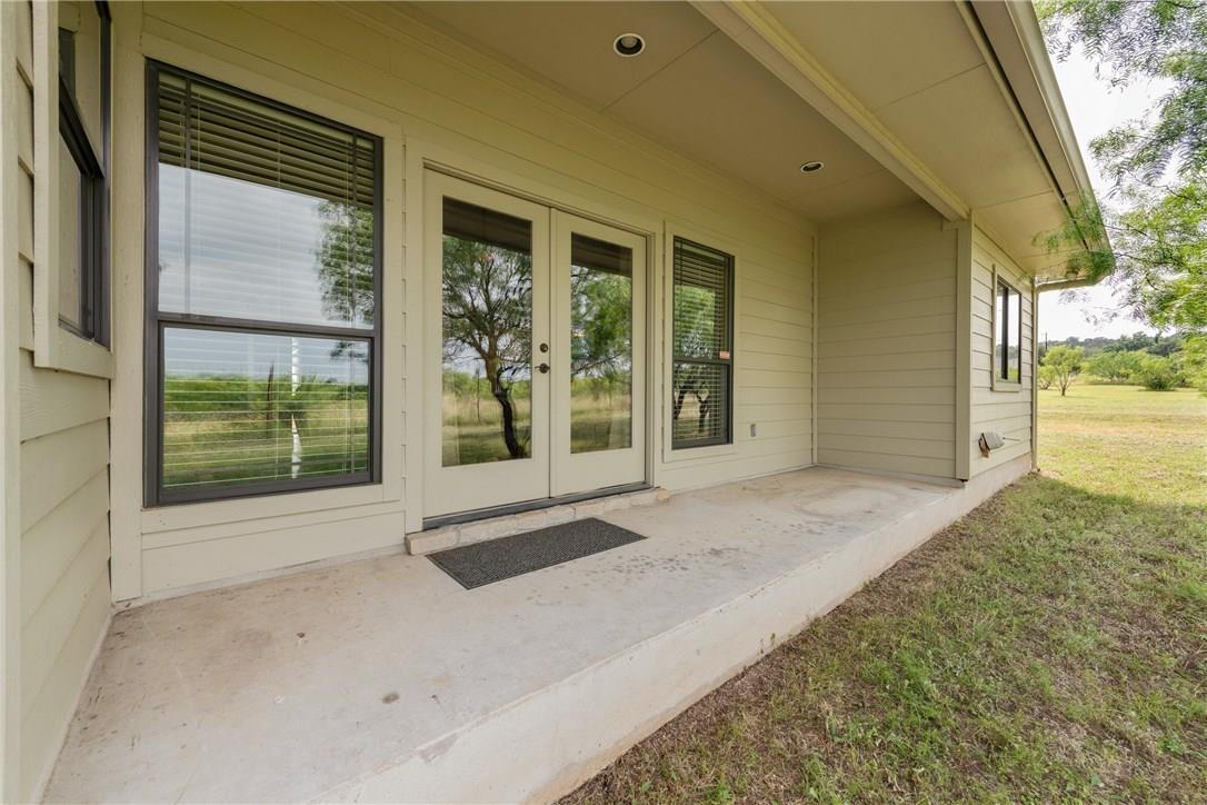 Closed   237 N Paleface Ranch Road Spicewood, TX 78669 22