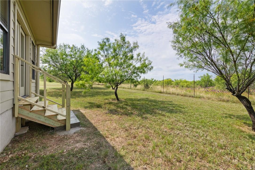 Closed   237 N Paleface Ranch Road Spicewood, TX 78669 24
